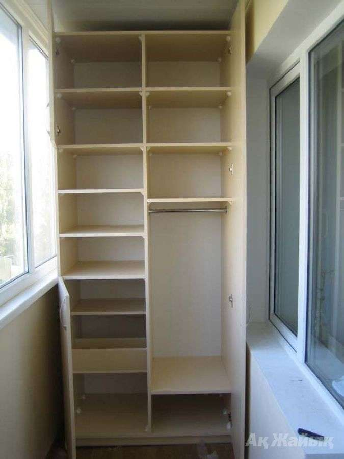 Встроенный шкаф на балконе своими руками: фото, видео, цена.