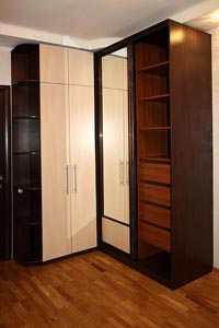 Стенка со шкафом для одежды