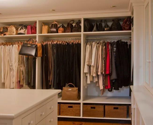 Шкаф для одежды в спальню