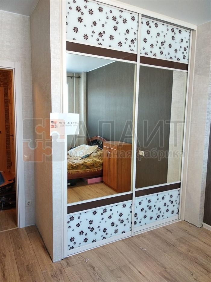 шкаф-купе в спальню (зеркало и стекло Командор)