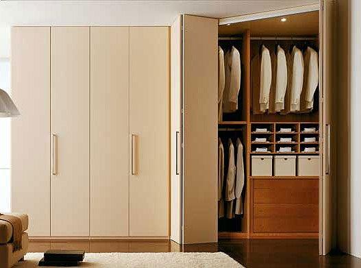 Шкаф для одежды с полками